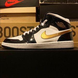 Air Jordan 1 mid Patent Leather
